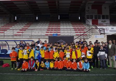 """74 jóvenes deportistas se han formado en el IV Campus de Fútbol de la Peña Madridista """"Mazacotero"""""""