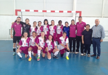 Selección infantil regional de fútbol sala femenina en Torrijos.