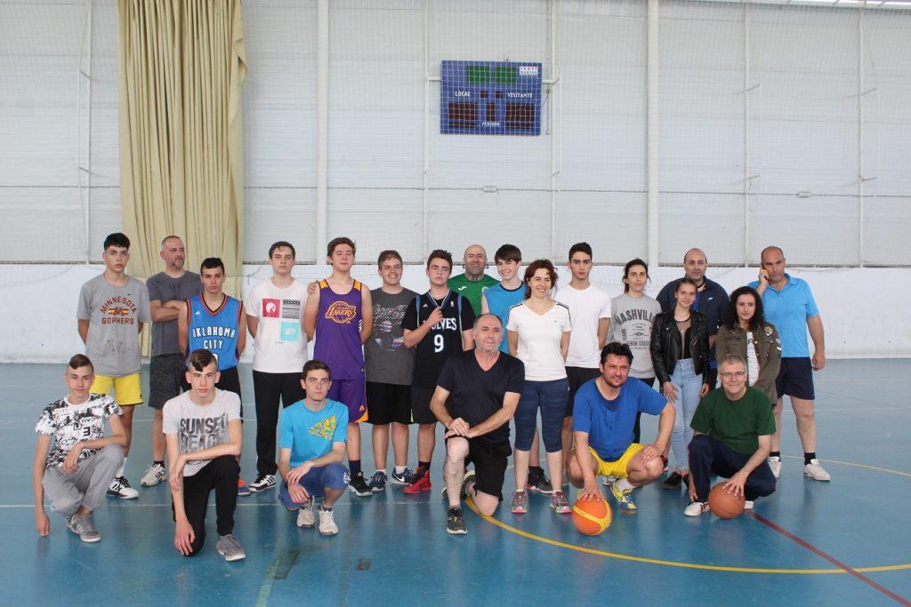 jornada-balonces-y-futbol-sala-padres-contra-hijos