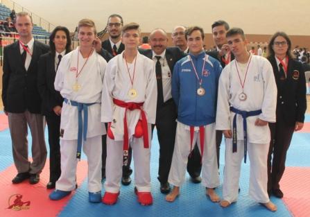 Los karatecas torrijeños Anabel, Ainara y David logran el oro en el Campeonato Regional