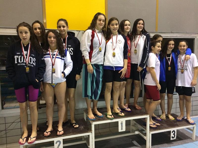 El CN Torrijos se prepara para los Campeonatos Regionales de Natación tras lograr 11 medallas en el provincial