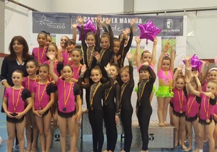 250 niñas participan en la X Gala Aniversario del Club Gimnasia Rítmica Torrijos