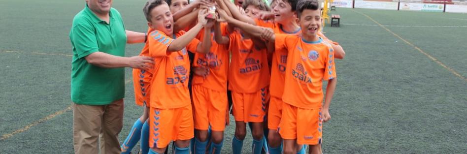"""Más de 500 niños se dieron cita en el II Torneo """"Villa de Torrijos"""" de fútbol benjamín y alevín"""