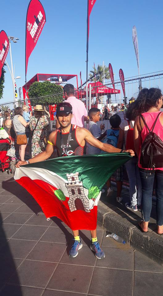 El triatleta torrijeño Roberto López completa el triatlón considerado como el más duro del mundo