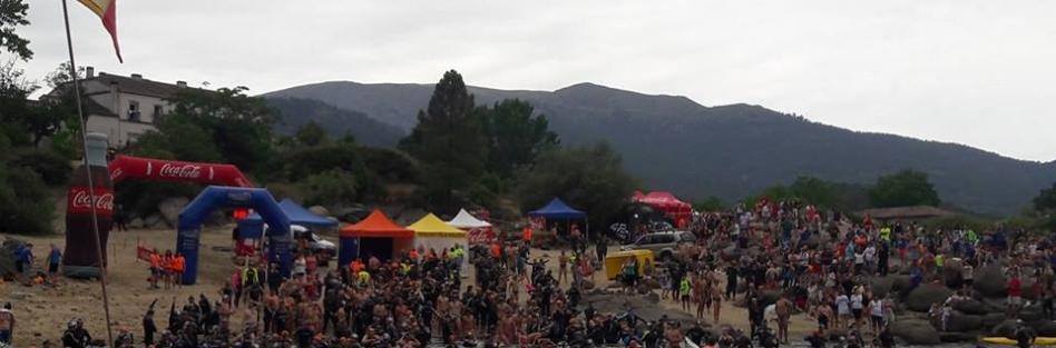 """Más de 700 nadadores realizaron la VII Travesía """"Valle de Iruelas"""""""