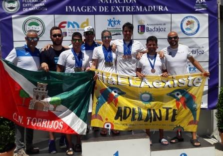 El Club Natación Torrijos cierra en Badajoz su mejor participación en un Campeonato de España Máster