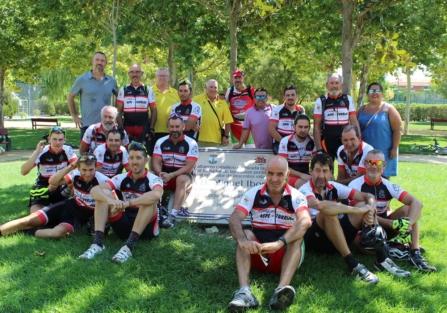Los participantes en la II Ruta Ciclista Aspe-Torrijos alcanzan la meta