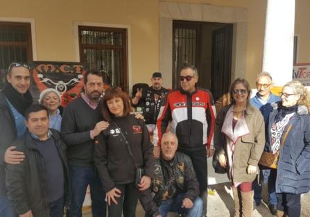 Alrededor de 500 raciones de migas se sirvieron en el Motoalmuerzo Solidario