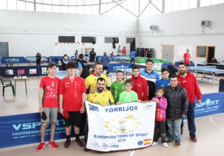 JUGADORES DE DIFERENTES CLUBES DE TENIS DE MESA DE LA REGIÓN PARTICIPARON EN UNA JORNADA DE CONVIVENCIA