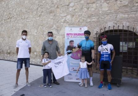 """El ciclista torrijeño Adolfo Sánchez cumple su """"Reto Solidario 400 km Non Stop Torrijos-Aspe"""""""