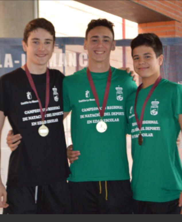 7 medallas de oro para los nadadores torrijeños Raquel González y Javier Marca
